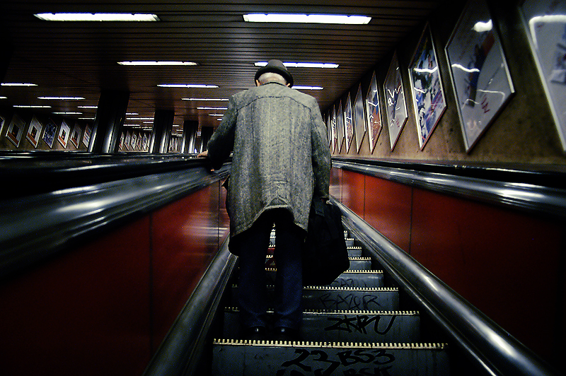 Savas Turanci Photography-U Bahn -Old Men-Rolltreppe